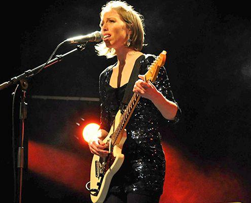 Liz Cherhal en concert pour la journée de la femme