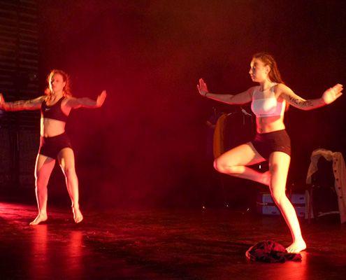 Les danseuses du lycée St Florent Du Bois pour la journée de la femme