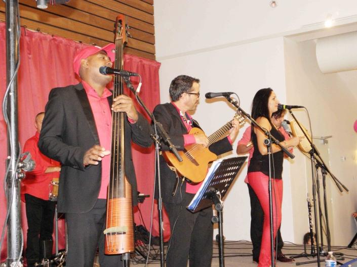 Faltan Cuatro, groupe de salsa cubaine
