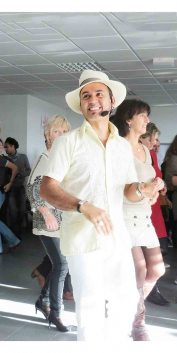 Ruben des Faltan Cuatro, groupe salsa cubaine